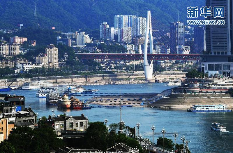 """(新华全媒头条·图文互动)(1)西部有个新的""""圈""""——成渝加快双城经济圈建设"""